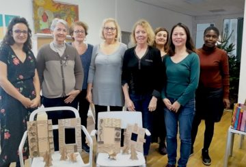 Atelier autour de la revalorisation du carton à La Ressourcerie, 21 cours du Chapeau Rouge à Bordeaux.
